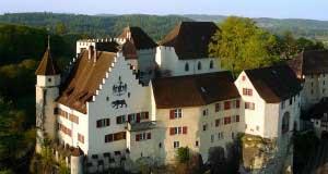 Ansicht des Schloss Lenzburg von aussen